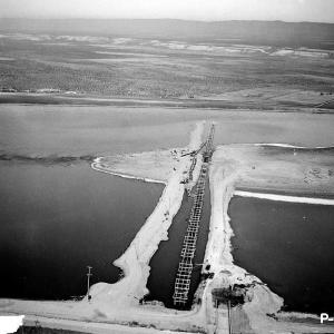 Hanford Water Line on the Columbia River (1944)